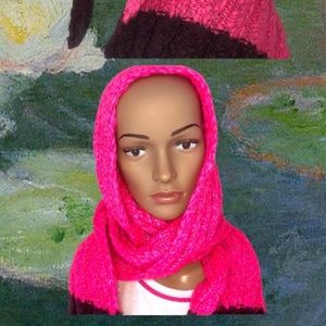 Hollister pink and maroon knit ribbed thick scarf